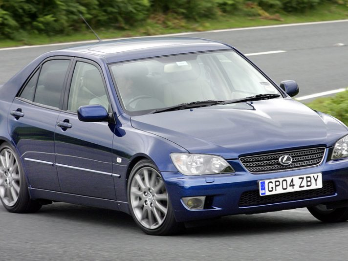 Lexus IS XE10