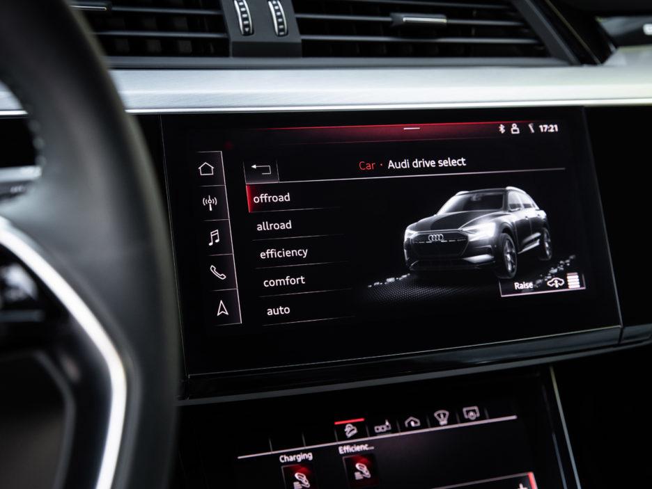Audi e-Tron - Primo Contatto 2018 - 7
