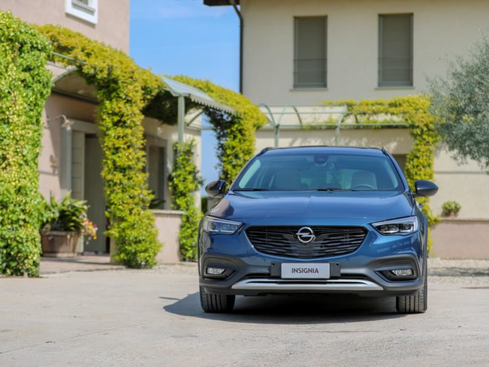Opel Insignia Country Tourer frontale