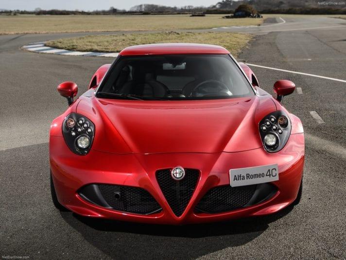 Alfa Romeo 4C frontale