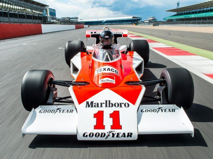 McLaren M23 frontale