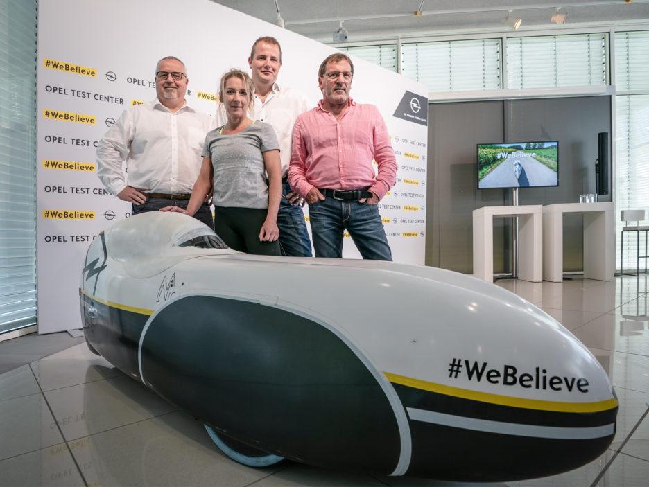 Nicola Walde im Opel Test Center Rodgau-Dudenhofen, Juli 2018