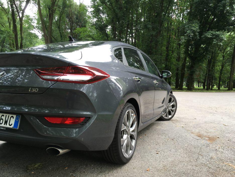 Hyundai i30 Fastback dettaglio posteriore