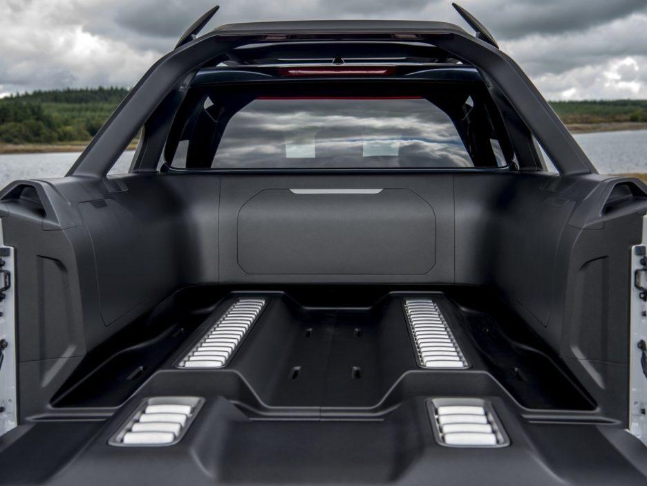 Nissan Navara Dark Sky Concept cassone