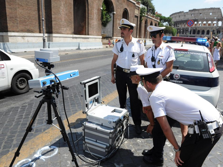 Fori Imperiali: limit 30 km from today, there are speed control