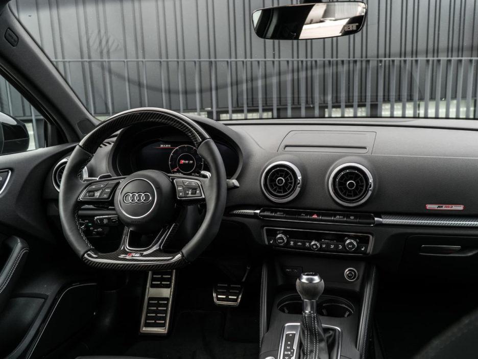 06_abt_audi_rs3_sedan_cockpit