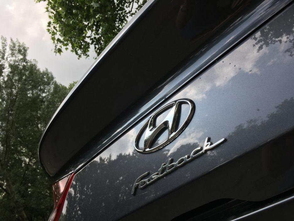 Hyundai i30 Fastback logo Hyundai