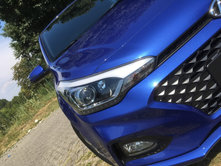 Hyundai i20 faro anteriore