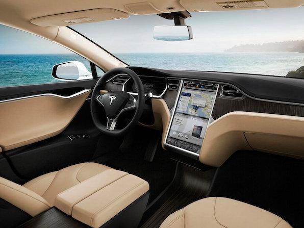 Tesla-primi-segnali-dell-auto-del-futuro