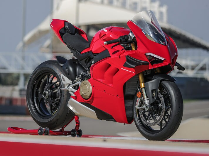 01_DUCATI_PANIGALE_V4S_UC143424_High