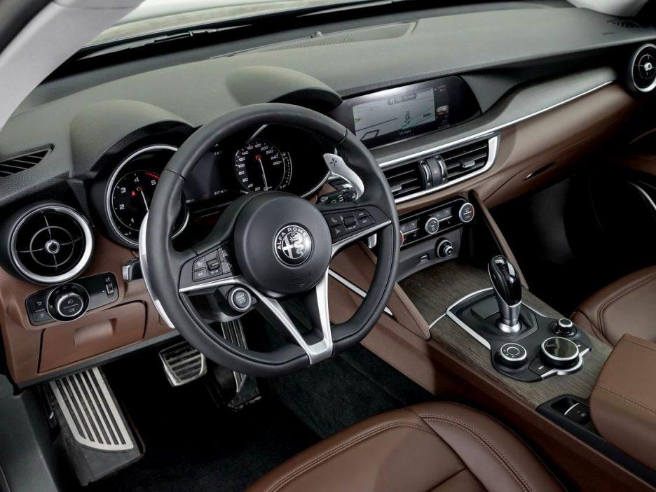 Alfa Romeo Stelvio e Giulia Quadrigloglio strade stellate