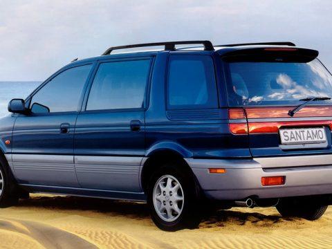 Hyundai Santamo tre quarti posteriore