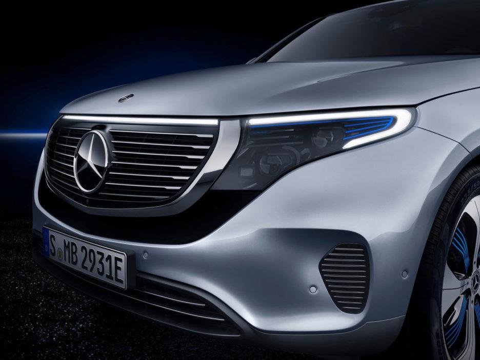 Mercedes-Benz-EQC-2020-1600-34
