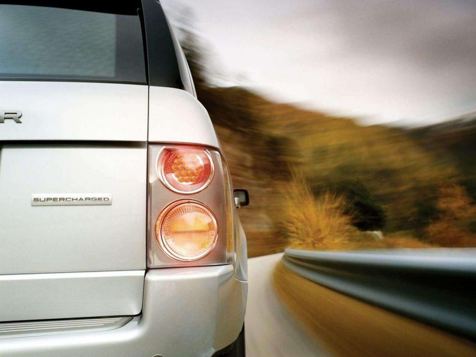 Land Rover Range Rover faro posteriore