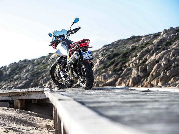 Moto-Guzzi-V85TT