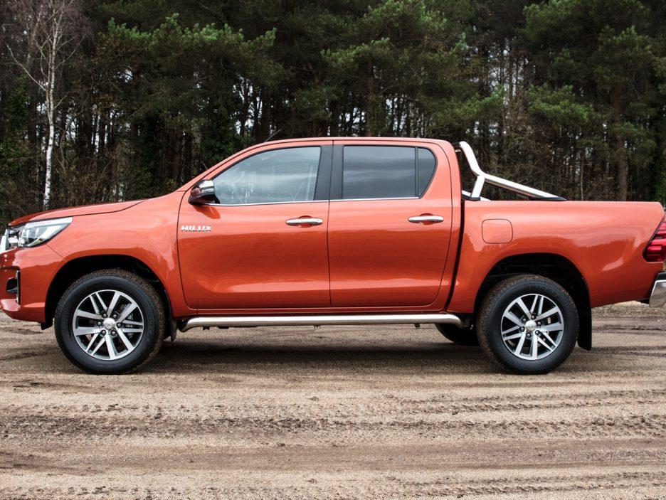 Toyota Hilux Executive+ profilo