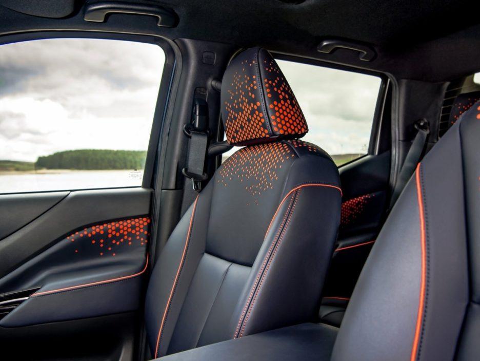 Nissan Navara Dark Sky Concept sedili anteriori