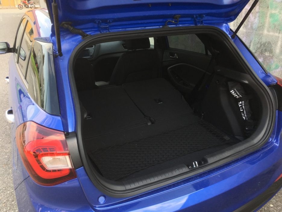Hyundai i20 bagagliaio sedili posteriori abbattuti