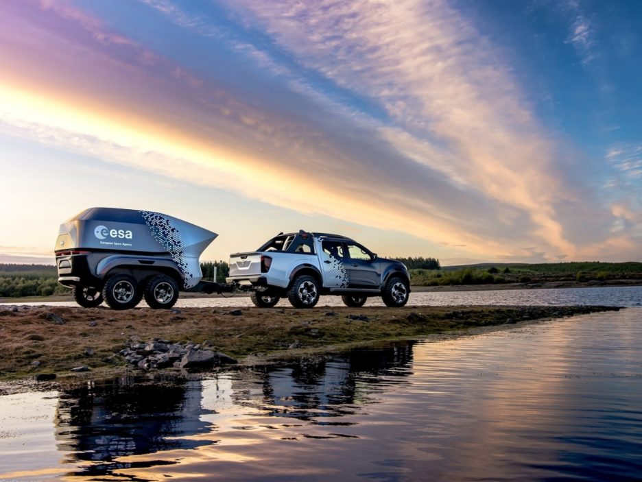 Nissan Navara Dark Sky Concept tre quarti posteriore