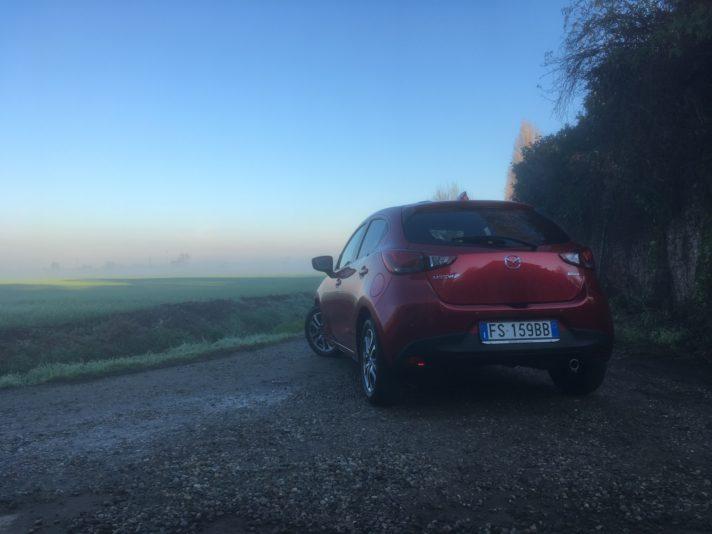 Mazda Mazda2 tre quarti posteriore