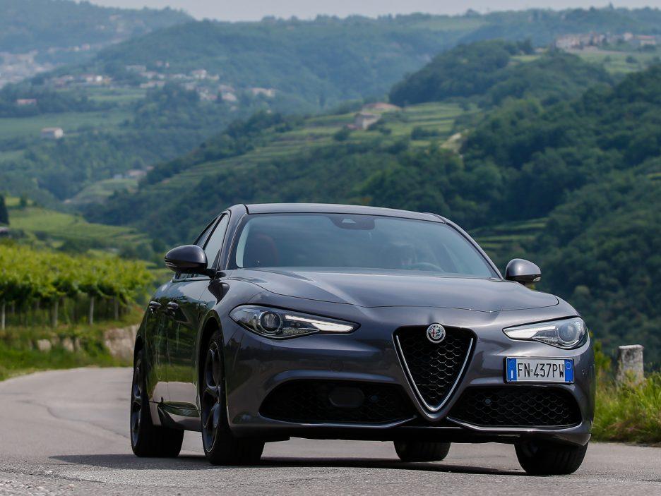 Alfa Romeo Stelvio e Giulia Quadrigloglio strade stellate 3
