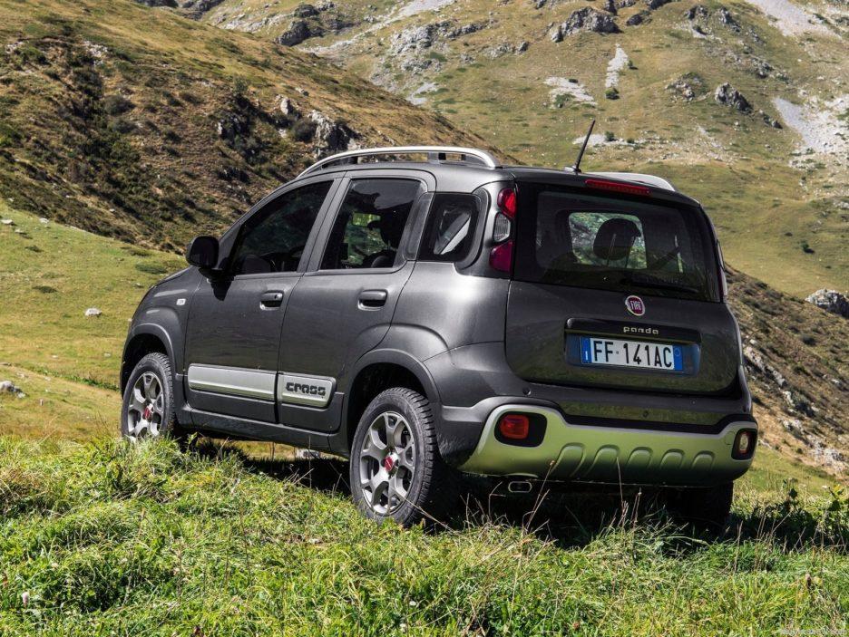 Fiat Panda Cross tre quarti posteriore