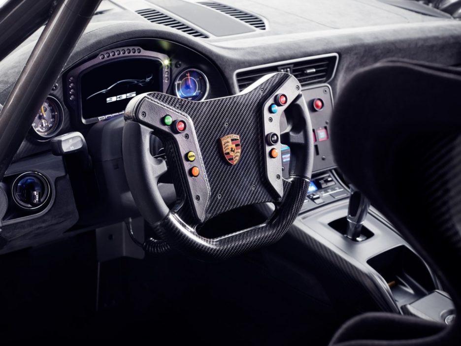 Porsche 935 interni