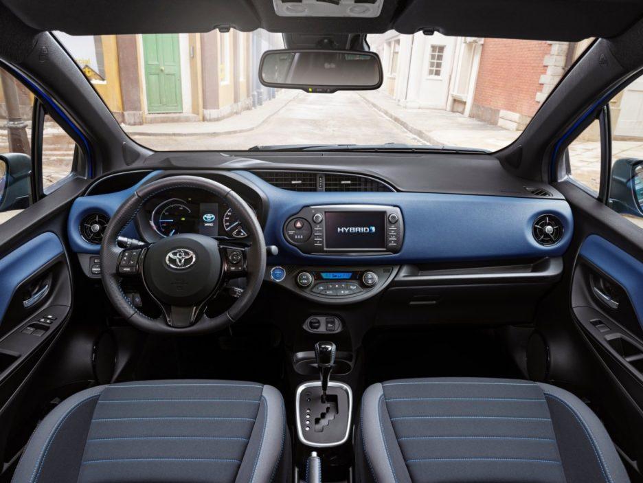 Toyota Yaris interni