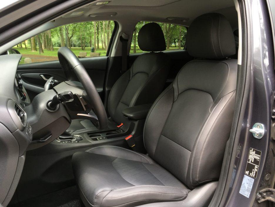 Hyundai i30 Fastback sedili anteriori