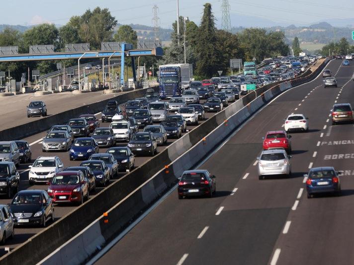 Traffico intenso autostrada A14 Bologna